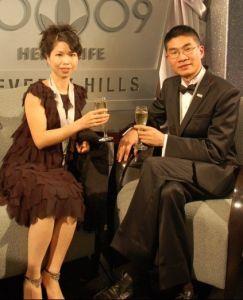 雅蔻系统创始人徐晓立(右)和他的妻子可儿(左)